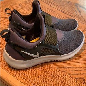Nike Renew size 8 women's